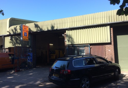 M3416 : PROFITABLE GARAGE, WORKSHOP, SERVICE AND MOT CENTRE