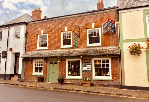 R1710 : DELIGHTFUL 'OLDE WORLDE' TEA ROOMS, GIFT AND SWEET SHOP