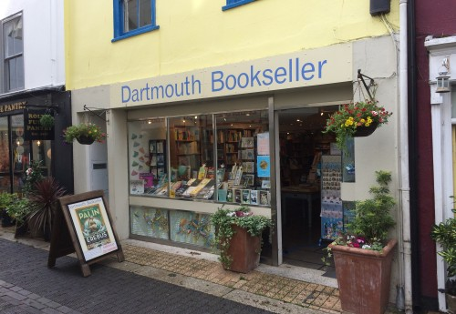 N790 : PROFITABLE INDEPENDENT COASTAL BOOKSHOP