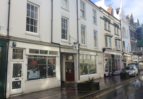 M3422 : INVESTMENT - COMPRISING MIXED USE PROPERTY WITH COMMERCIAL RETAIL LEASES AND RESIDENTIAL GROUND RENT INVESTMENTS - SALE BY TRANSFER OF SHARES : OFFERS on £399,000