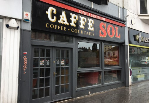 L1982 : FULLY LICENSED CAFÉ AND COCKTAIL BAR