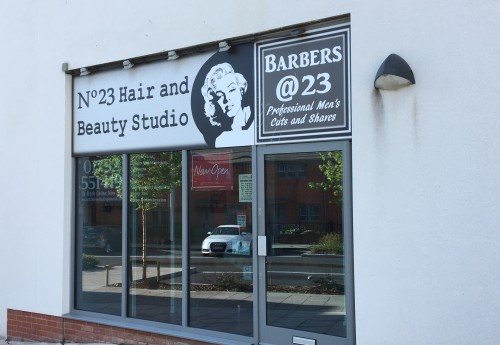 M3430 : REPUTABLE HAIR AND BEAUTY SALON