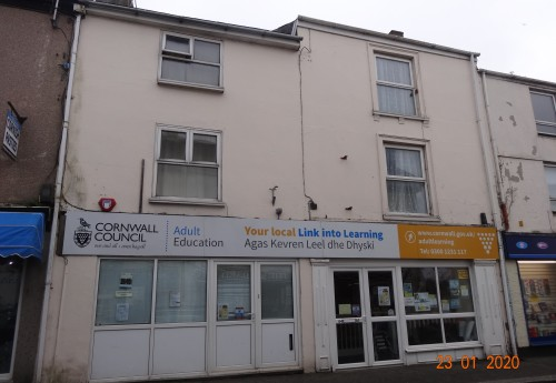 M3450 : IMPRESSIVE COMMERCIAL INVESTMENT PROPERTY