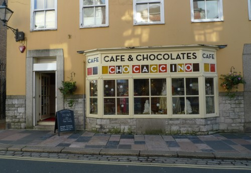 R1734 : CHARMING CHOCOLATE CAFE AND SHOP