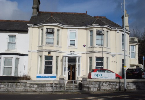 M3398 : To let - valuable doctor's surgery/ office suite