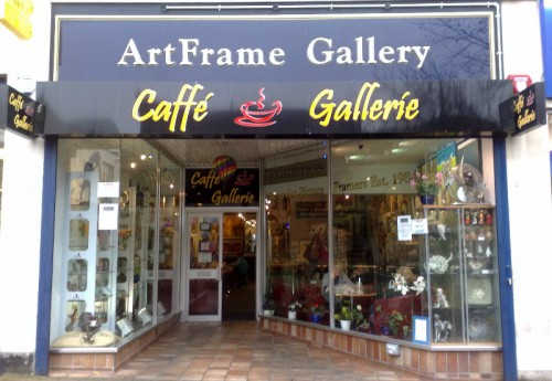 R1686 : Superior coffee shop, art gallery & picture framers